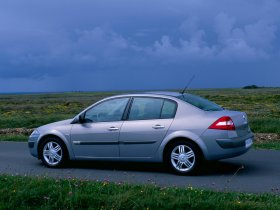 Ver foto 8 de Renault Megane Limusine 2006