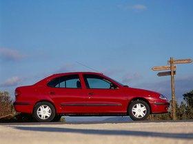Ver foto 2 de Renault Megane Sedan 1999