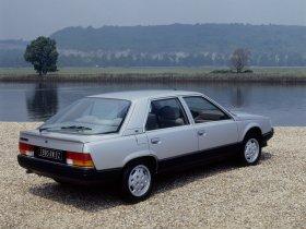 Ver foto 2 de Renault R25 1985