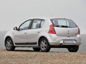 Ver foto 2 de Renault Sandero Vibe 2010