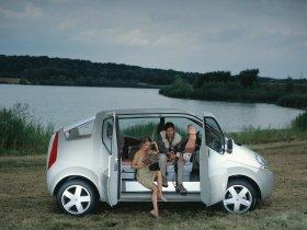 Ver foto 2 de Renault Trafic Deck up Concept 2004