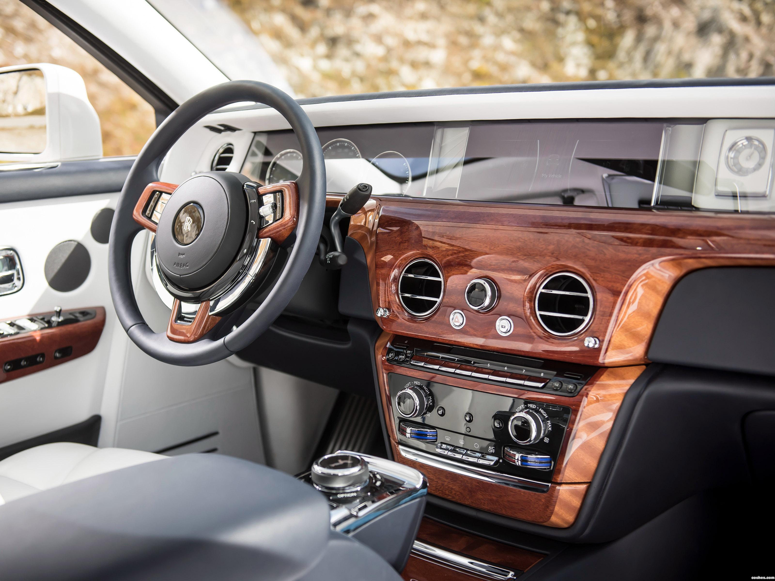 Foto 28 de Rolls Royce Phantom  2017