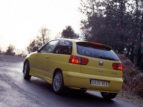 Ver foto 3 de Seat Ibiza Cupra-R 2001