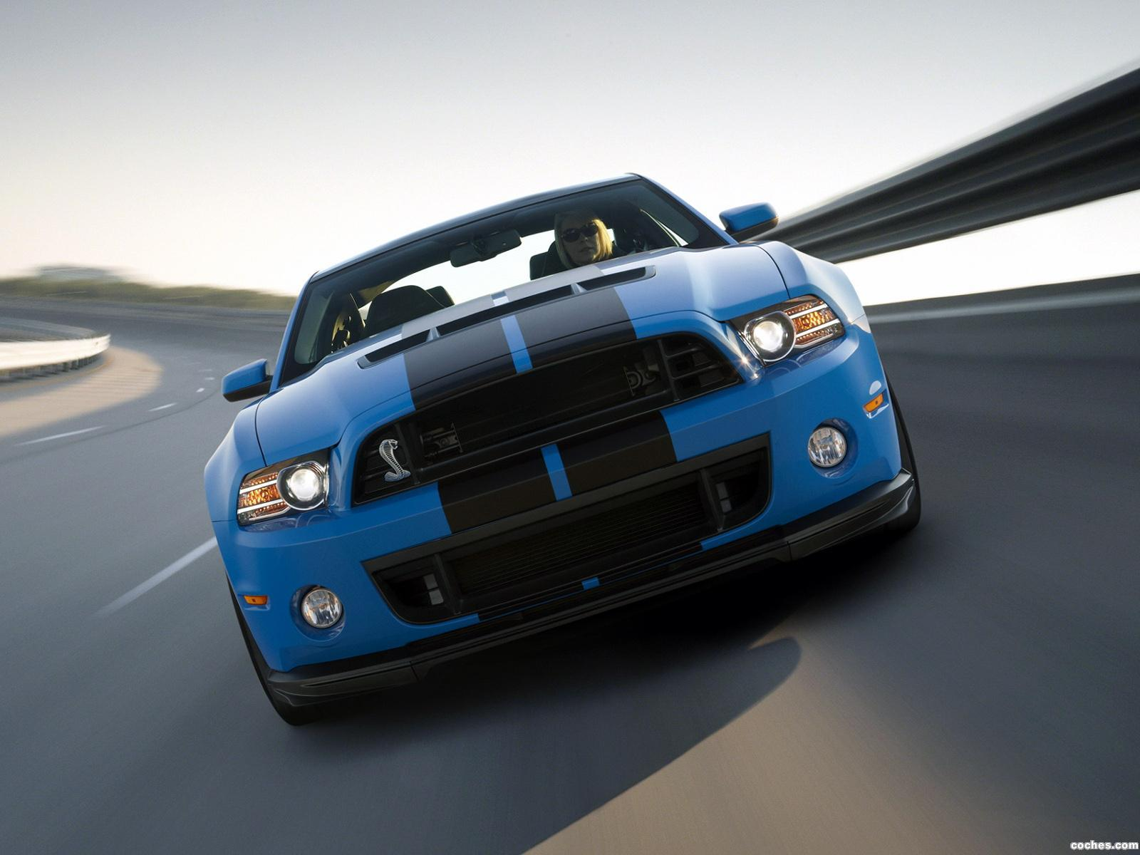 Foto 20 de Ford Shelby Mustang GT500 SVT 2012