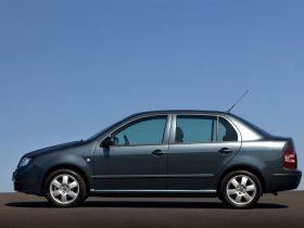 Ver foto 3 de Skoda Fabia Sedan 2005