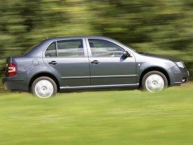 Ver foto 1 de Skoda Fabia Sedan 2005