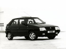 Ver foto 1 de Skoda  Favorit Blackline Type-781 UK 1993