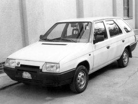 Ver foto 3 de Skoda Forman 1991