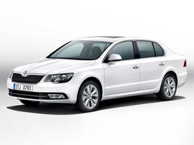 Fotos de Skoda Superb (3V) 2013