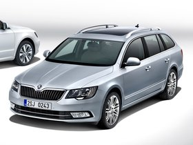 Fotos de Skoda Superb Combi 2013
