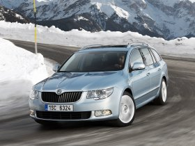 Fotos de Skoda Superb Combi 4×4 2010