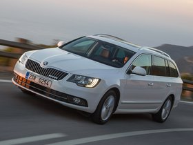 Fotos de Skoda Superb Combi GreenLine 2014