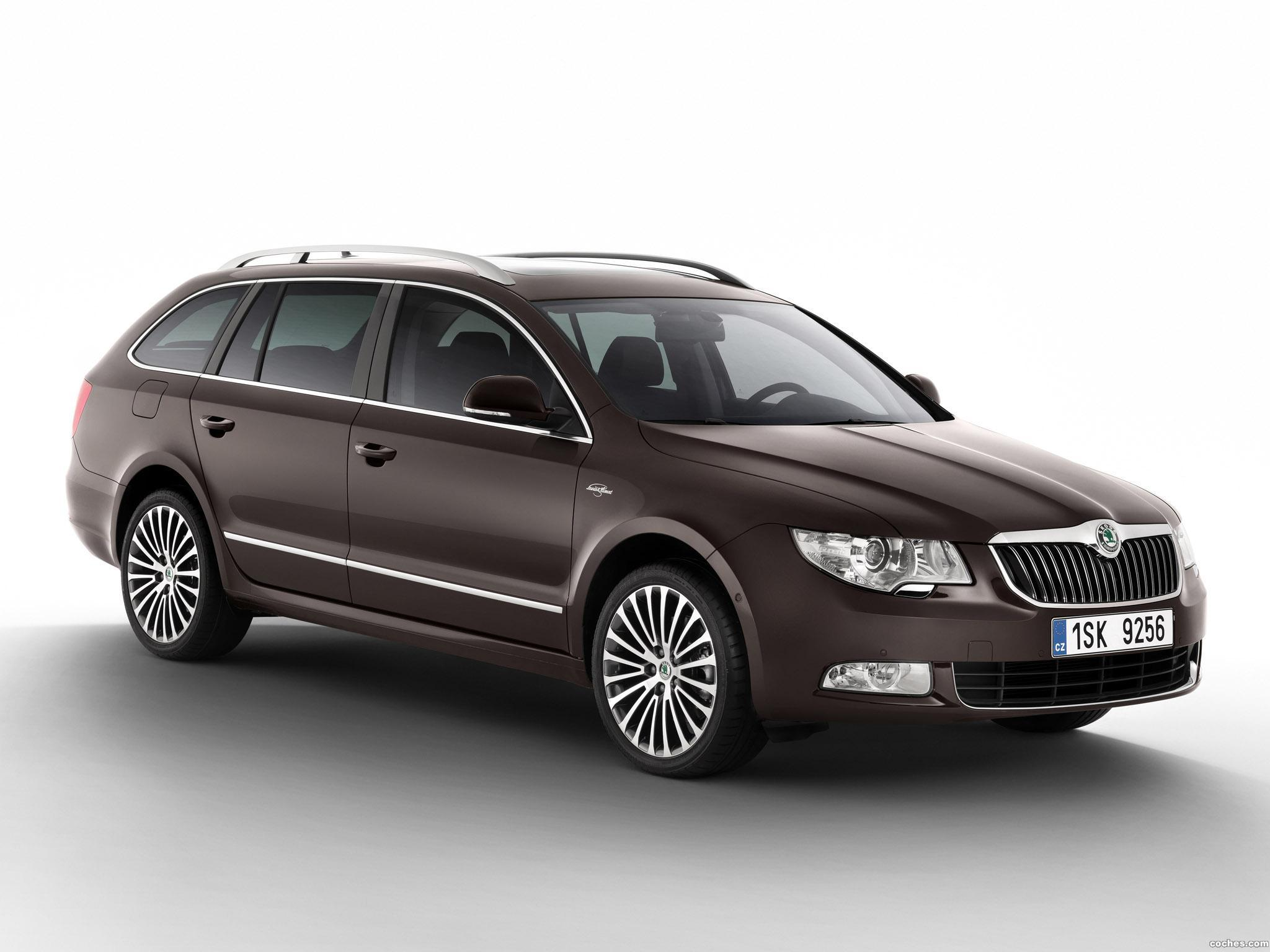 Foto 0 de Skoda Superb Combi Laurin & Klement 2011