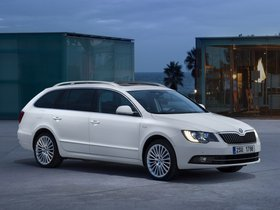 Fotos de Skoda Superb Combi Laurin & Klement 2013
