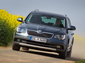 Ver foto 5 de Skoda Superb Combi Outdoor 2012