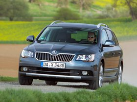 Ver foto 4 de Skoda Superb Combi Outdoor 2012