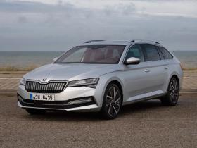 Fotos de Skoda Superb Combi IV Laurin Klement 2020