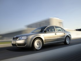Ver foto 4 de Skoda Superb Facelift 2006