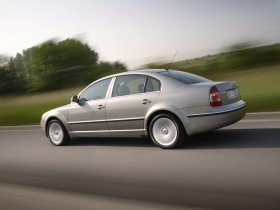 Ver foto 3 de Skoda Superb Facelift 2006