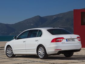 Ver foto 2 de Skoda Superb GreenLine 2014