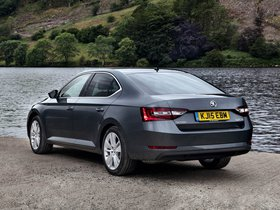 Ver foto 3 de Skoda Superb UK 2015