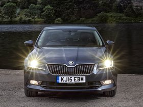 Ver foto 2 de Skoda Superb UK 2015