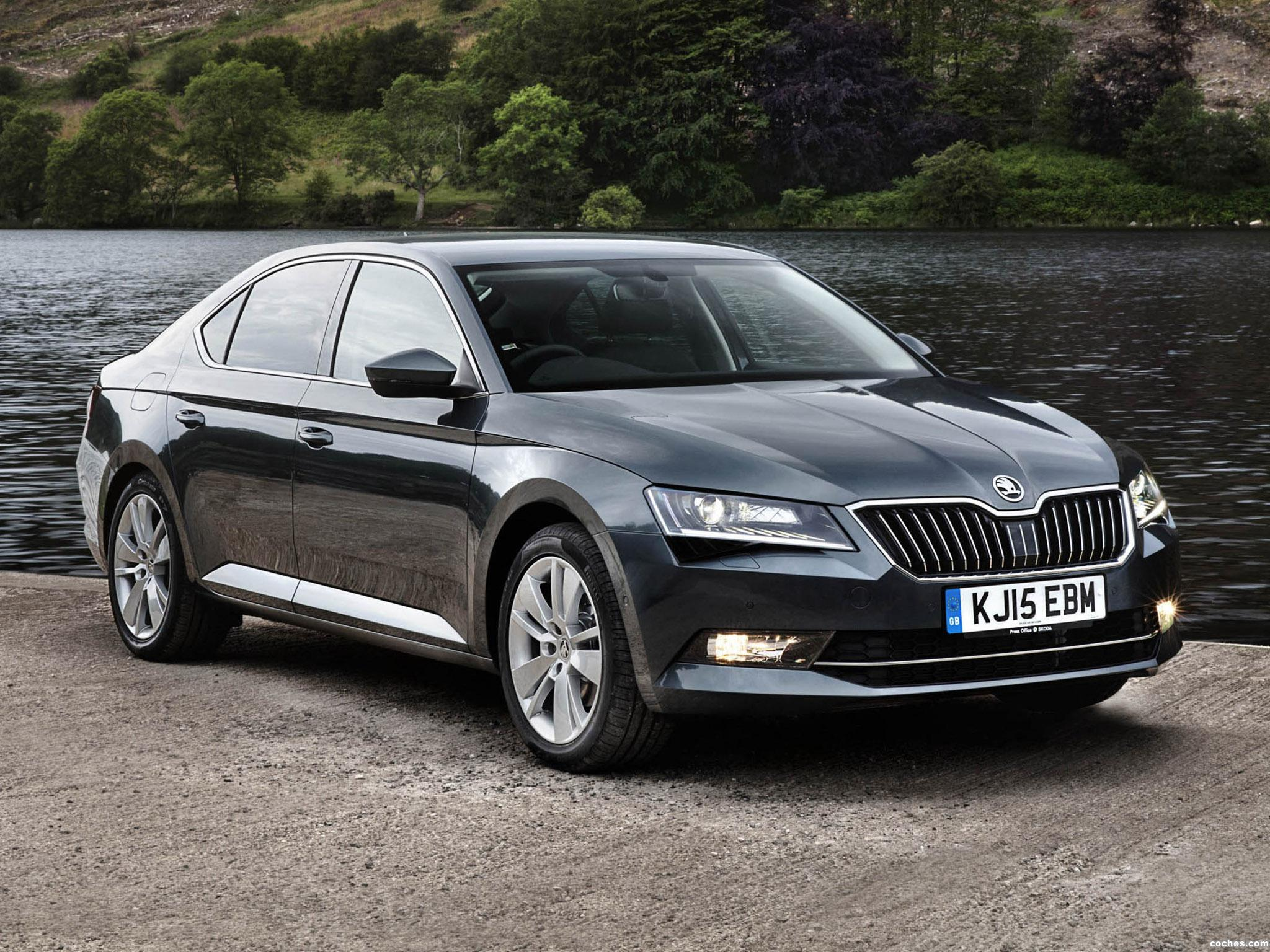 Foto 0 de Skoda Superb UK 2015