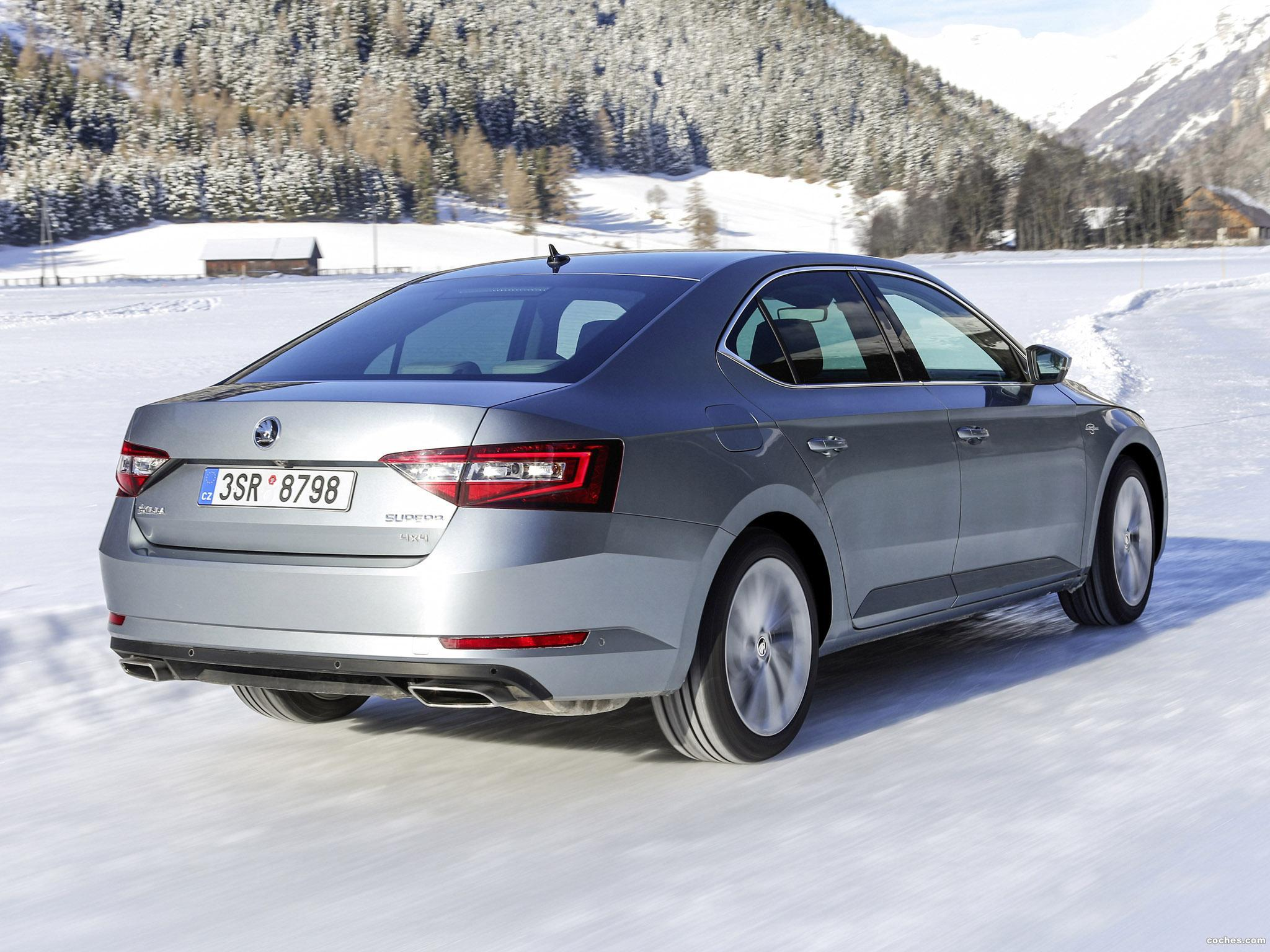 Foto 0 de Skoda Superb Laurin and Klement 4x4 2015