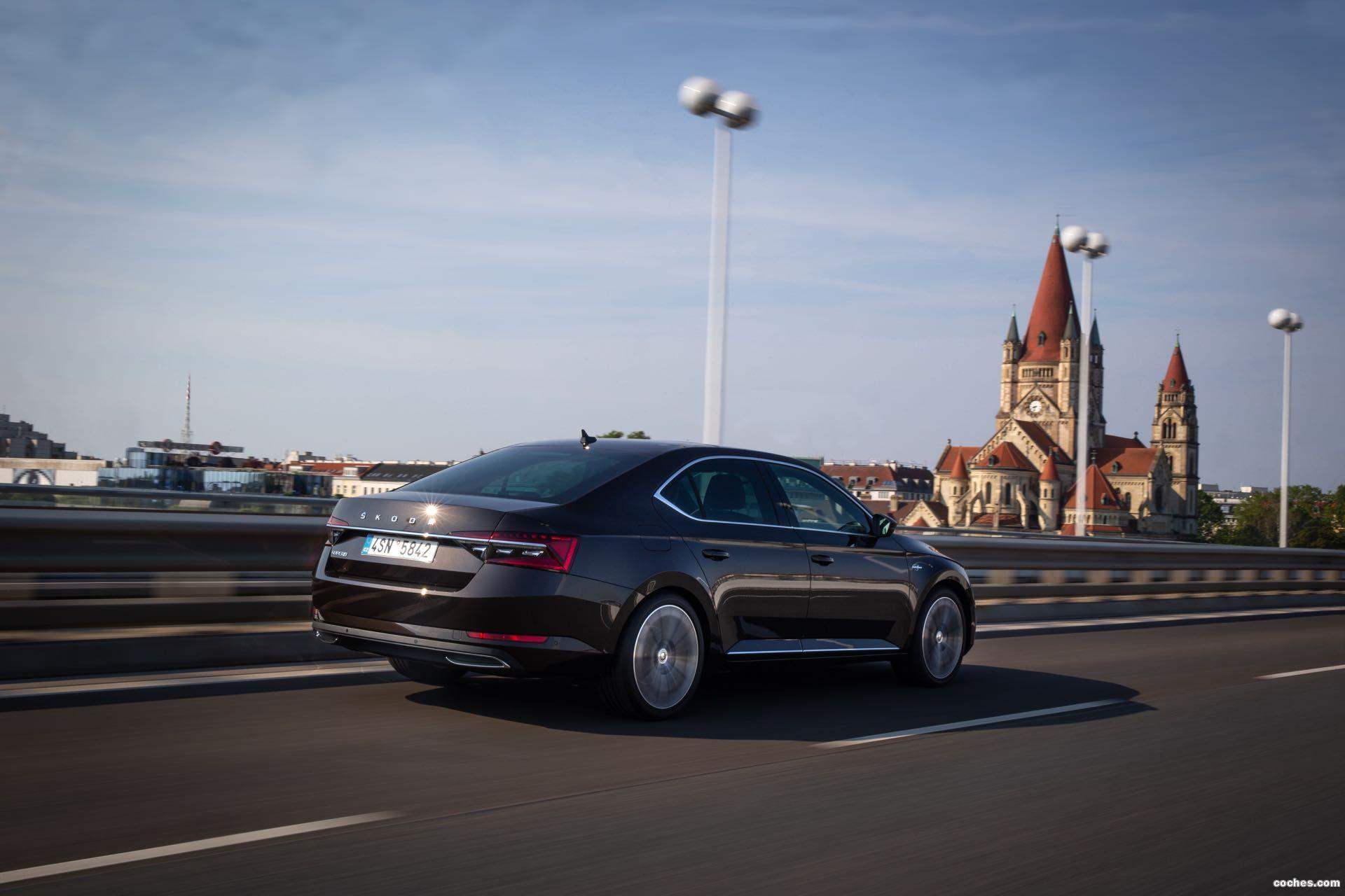 Foto 0 de Skoda Superb Laurin & Klement 2019