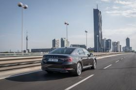 Ver foto 12 de Skoda Superb Laurin & Klement 2019