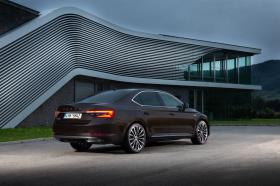 Ver foto 23 de Skoda Superb Laurin & Klement 2019