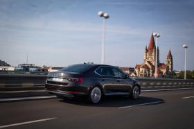 Ver foto 1 de Skoda Superb Laurin & Klement 2019