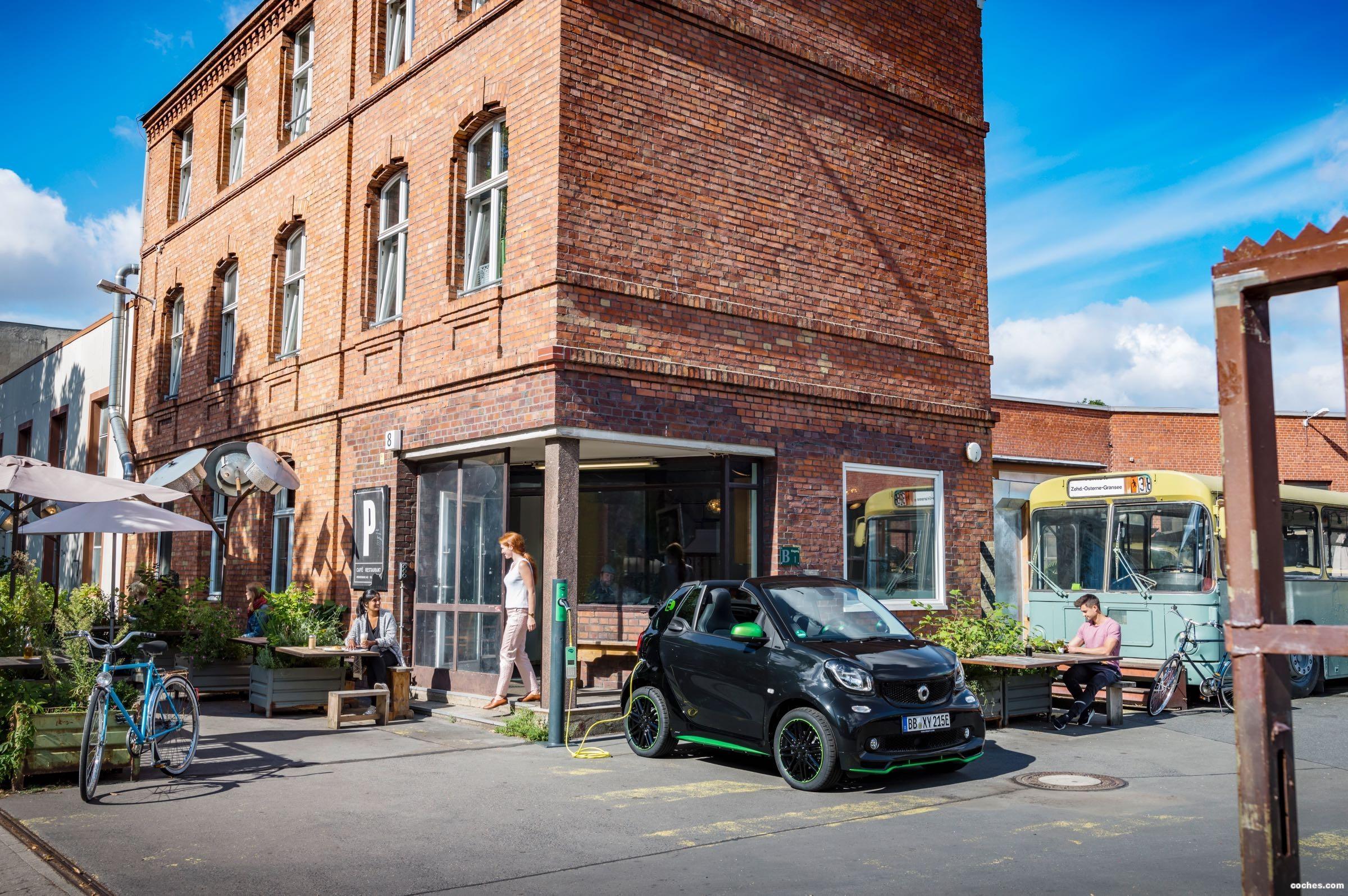 Foto 7 de Smart fortwo cabrio electric drive 2017