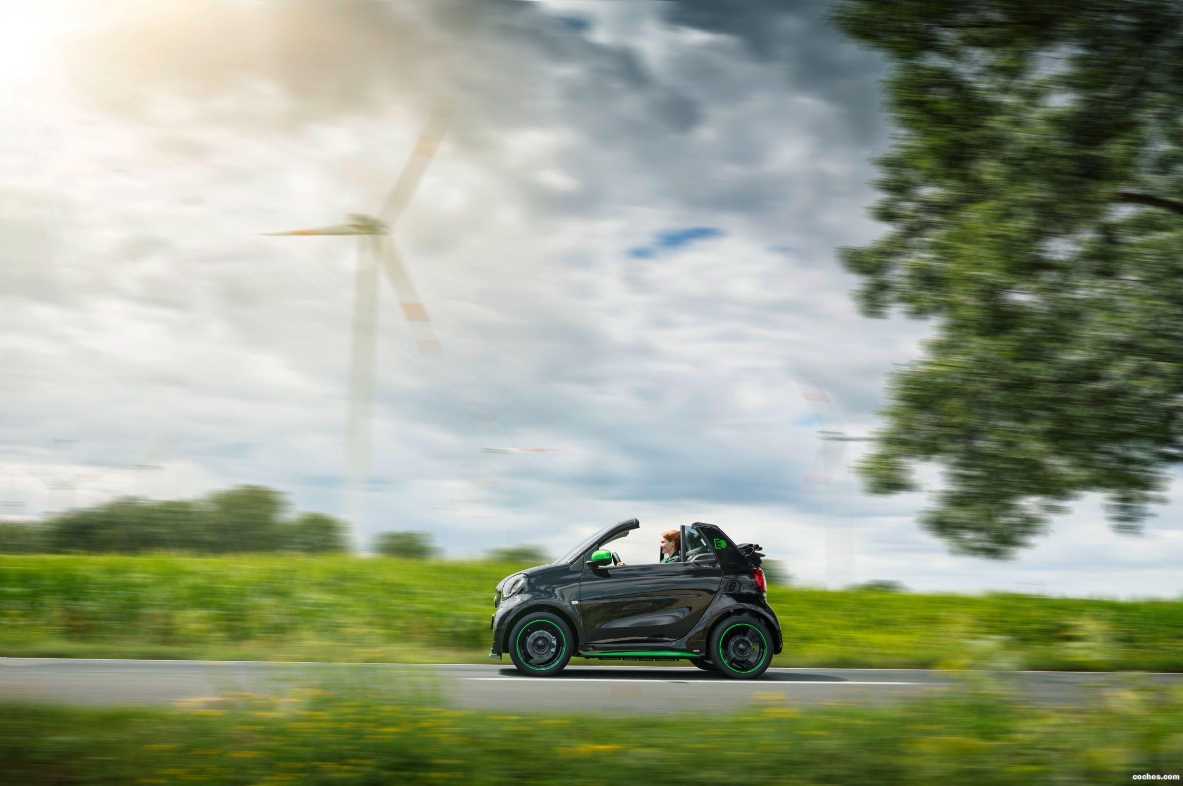 Foto 35 de Smart fortwo cabrio electric drive 2017