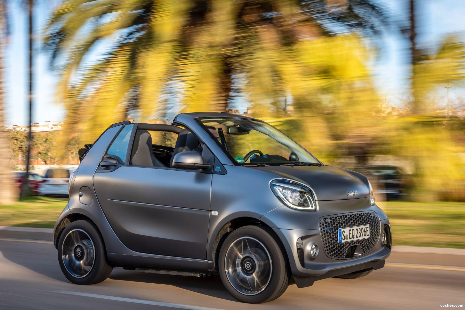 Foto 3 de Smart fortwo cabrio EQ pulse 2020