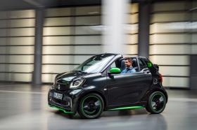 Fotos de Smart fortwo cabrio electric drive 2017