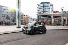 Ver foto 3 de Smart fortwo cabrio electric drive 2017