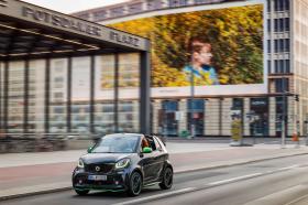 Ver foto 2 de Smart fortwo cabrio electric drive 2017