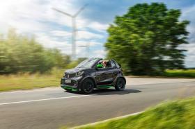 Ver foto 35 de Smart fortwo cabrio electric drive 2017