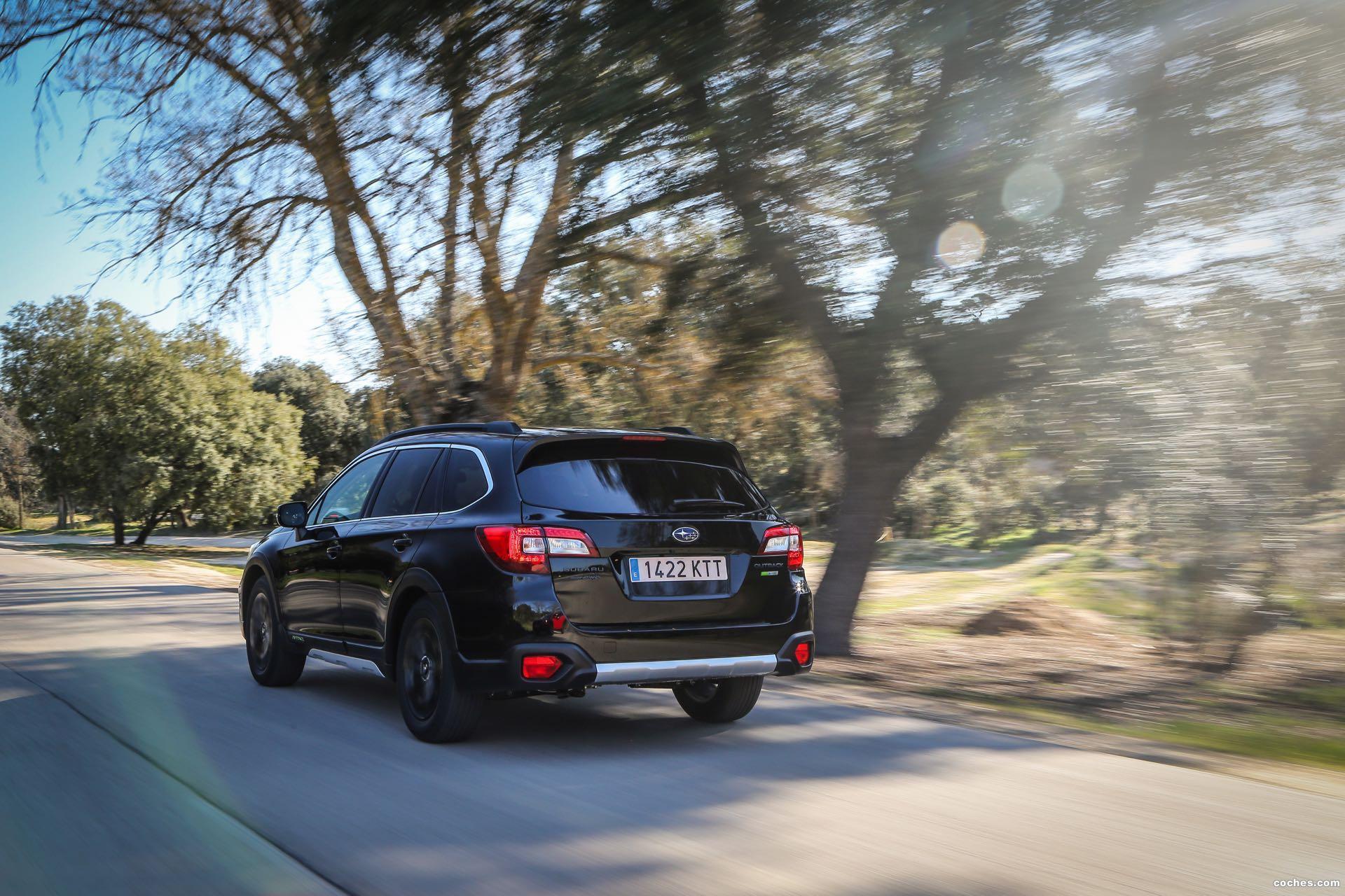 Foto 21 de Subaru Outback Eco Bi-Fuel Black Edition 2019