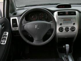 Ver foto 5 de Suzuki Aerio SX Sedan USA 2001