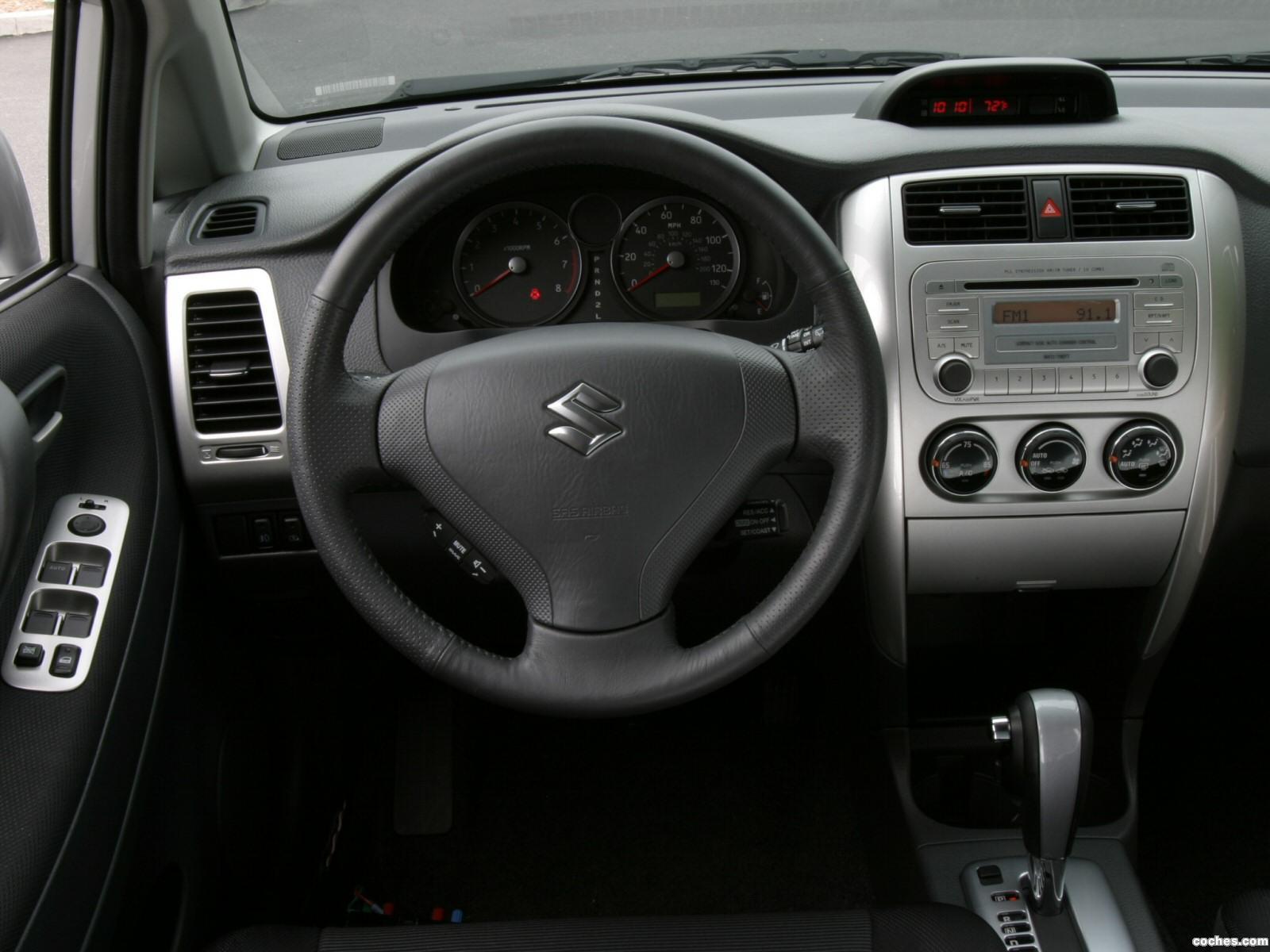 Foto 4 de Suzuki Aerio SX Sedan USA 2001