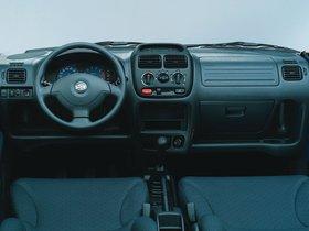 Ver foto 3 de Suzuki Ignis 2000