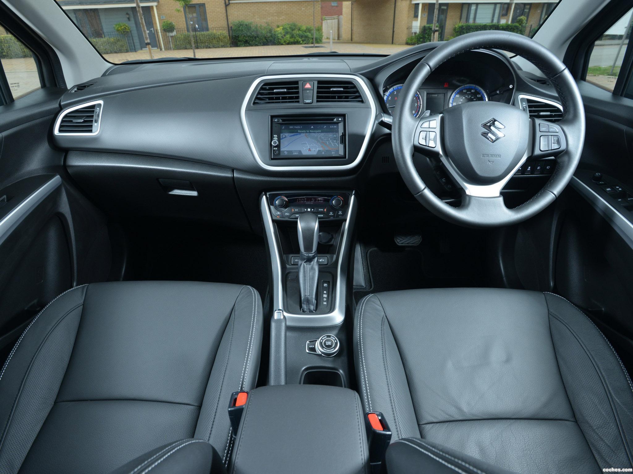 Foto 11 de Suzuki SX4 S-Cross UK 2013