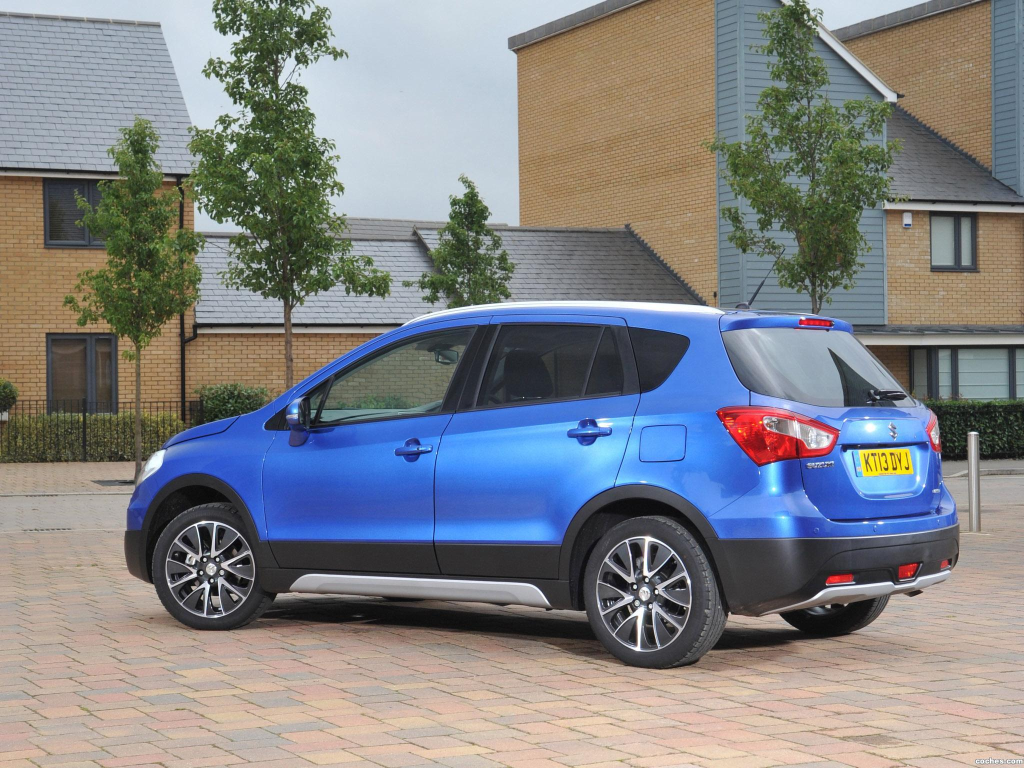 Foto 1 de Suzuki SX4 S-Cross UK 2013