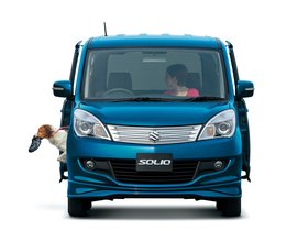 Ver foto 2 de Suzuki Solio 2011