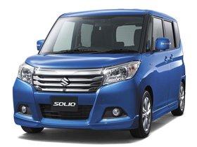 Ver foto 2 de Suzuki Solio Hybrid  2015