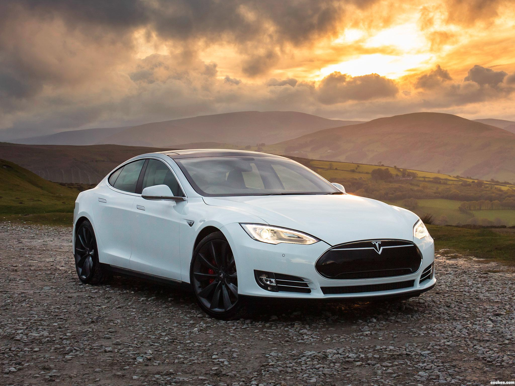 Foto 22 de Tesla Model S P85 UK 2014