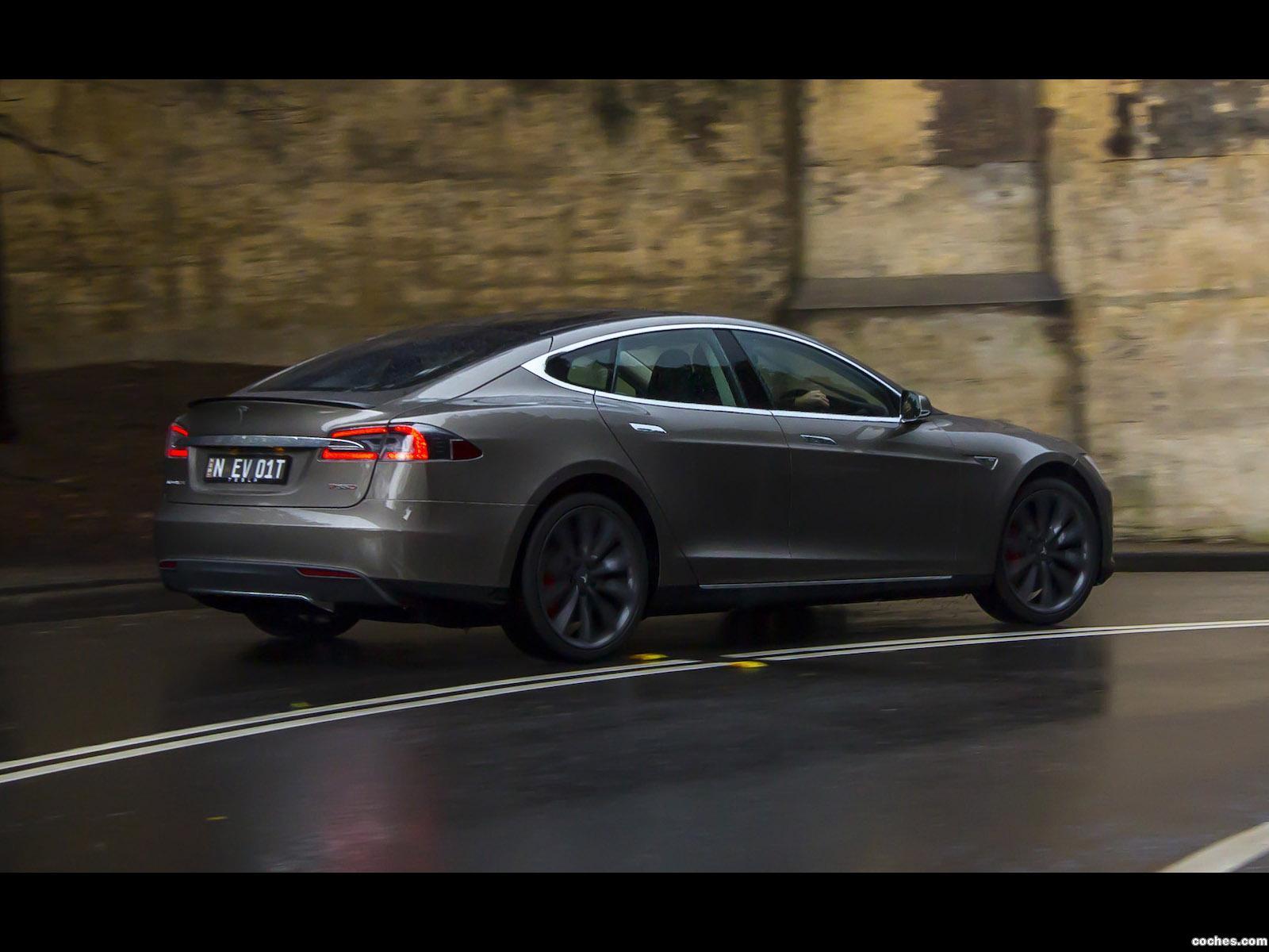 Foto 14 de Tesla Model S P85D Australia 2014