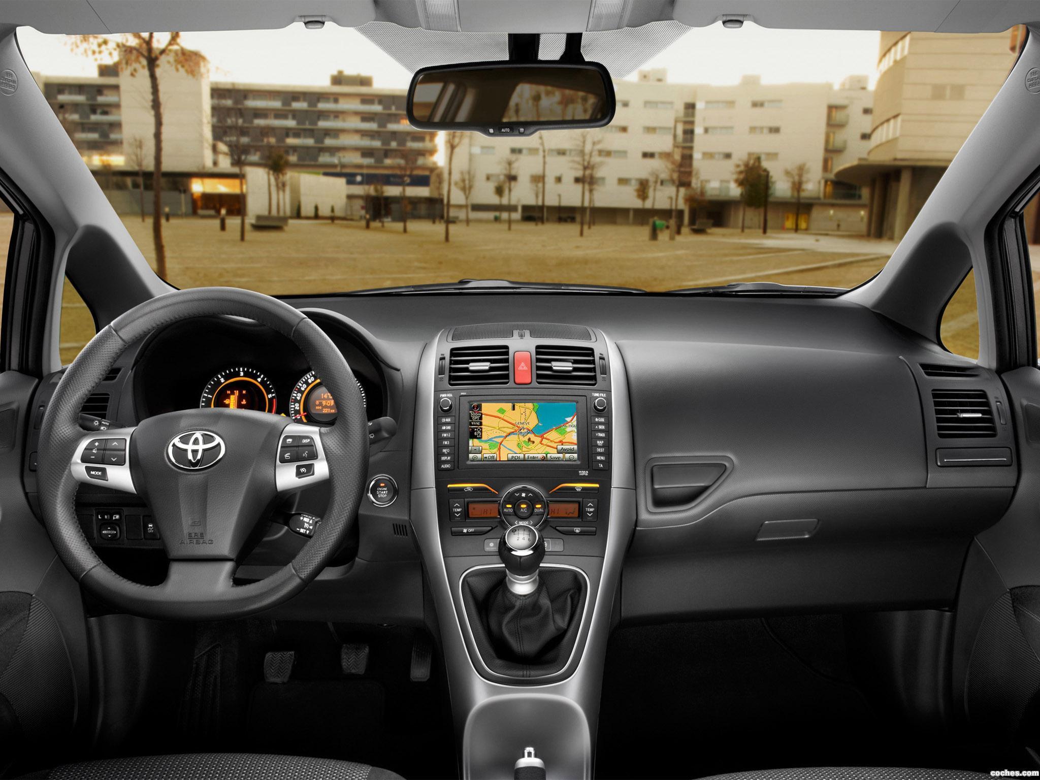 Foto 22 de Toyota Auris 5 puertas 2010